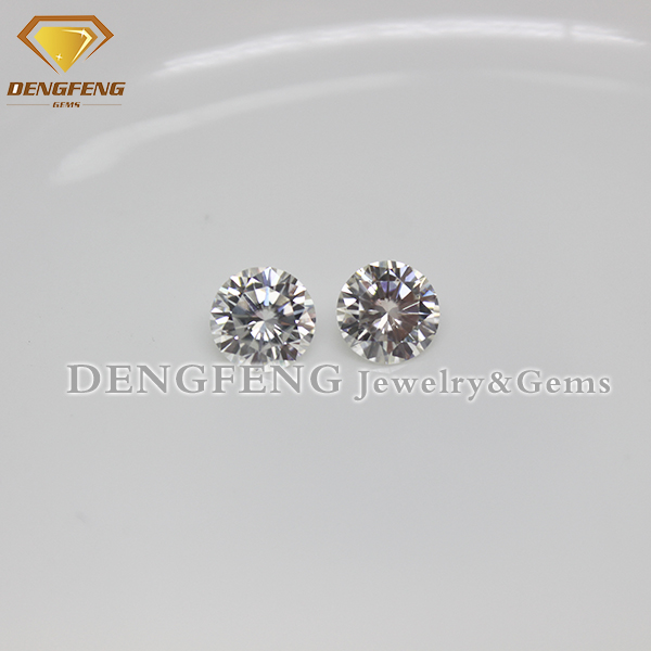Excellent Cut Round White Moissanite Diamond