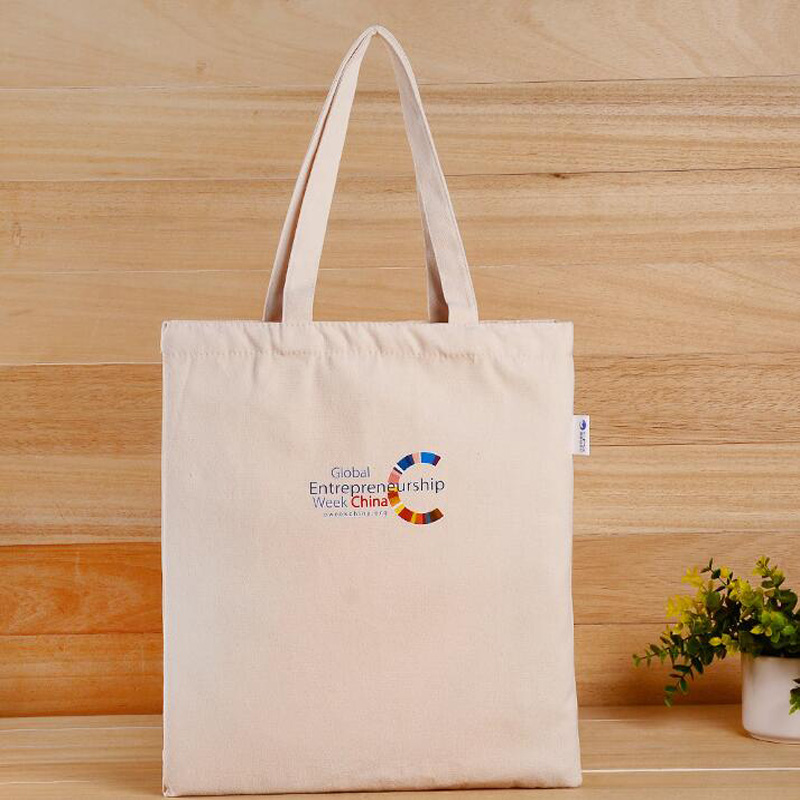 Standard size polyester non woven soft white foldable canva zip pocket tote bag