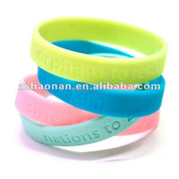 most welcomed new style Logo Debossed or Embossed Promotion silicon wristband