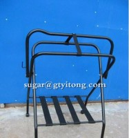 Floor stand Western powder coated Steel saddles rack for horse with nylon traps