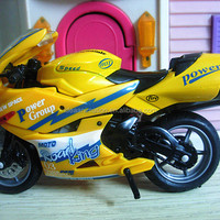 OEM Plastic Scale Model Motorcycles 1
