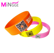 custom silk print QR Code rubber promotion gift wristband silicone bracelet