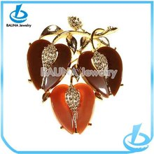 Latest colorful heart shape apples gold branch big red acrylic brooch