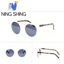 Embossed Logo Popular Model with sunglasses
