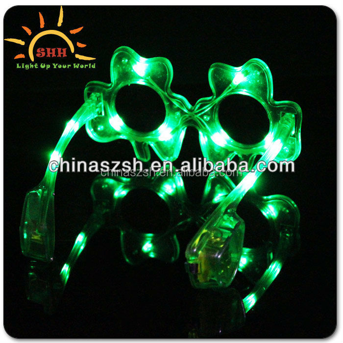 2015 hot sale party accessory plastic glow shamrock sunglasses for st. Patrick's day
