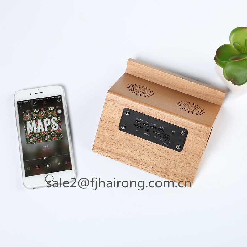 2017 New bamboo bluetooth speaker with phone stand, bluetooth speaker with tablet holder, the bamboo wood speakers