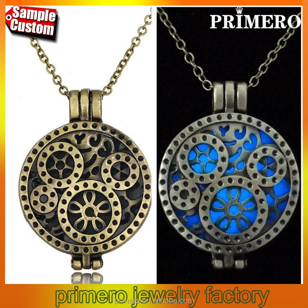 Antique Essential Oil Diffuser Perfume Aromatherapy Lockets Necklace Pendant