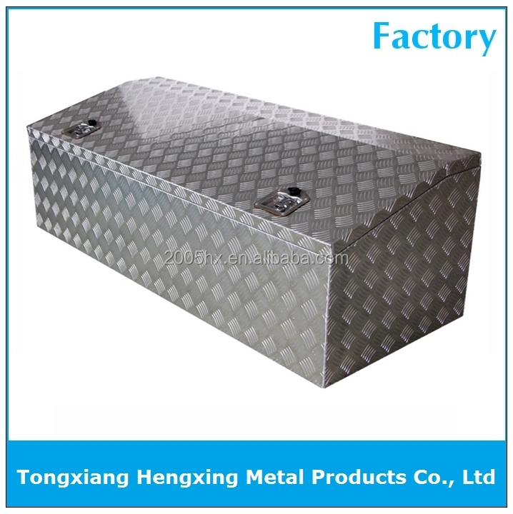 Low profile aluminum truck box