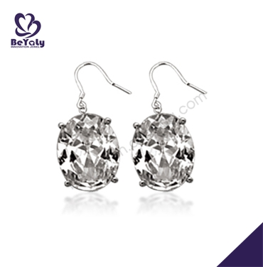 Cute prong setting one piece clear gemstone silver earrings