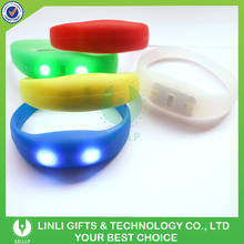 Silicone Color Customized Light Up Flashing LED Bracelet