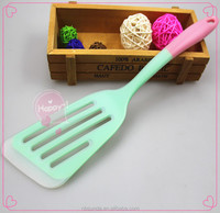 Factory whosale food grade kitchen tools silicone cake turner