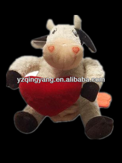 Hot sale valentines day gift custom stuffed plush cow toy with red heart