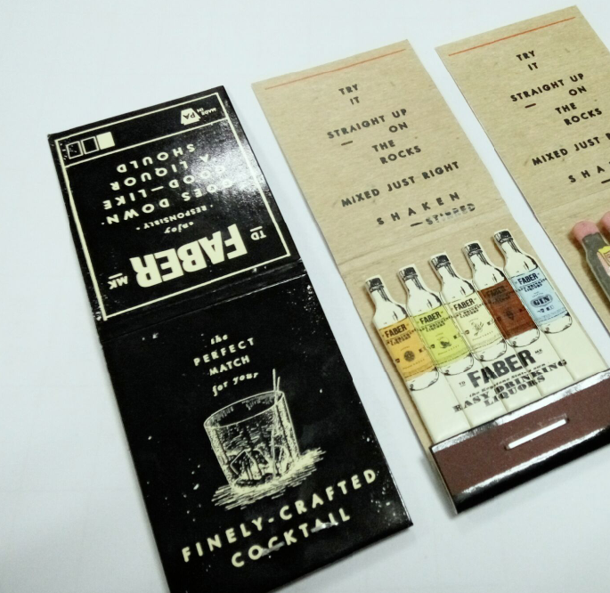 Customized box packing wooden small size safety book matches
