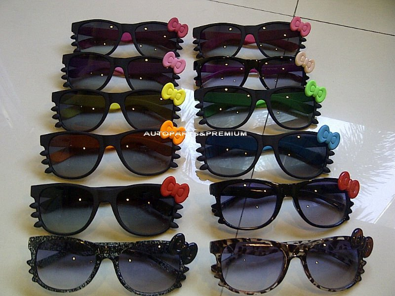 Hello Kitty Style Fashion Sunglasses