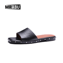 New arrival china wholesale cute girl fancy flat flip flops rivet slippers for women