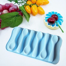 Wholesale custom Personalized FDA silicone Ice tube tray in spoon shape