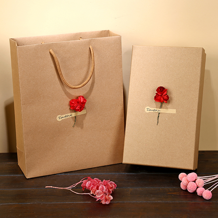 China Cheap and customized brown kraft paper bag shopping bag supplier