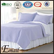 Purple fresh design plain emboss cost-effective embroidered polyester blanket