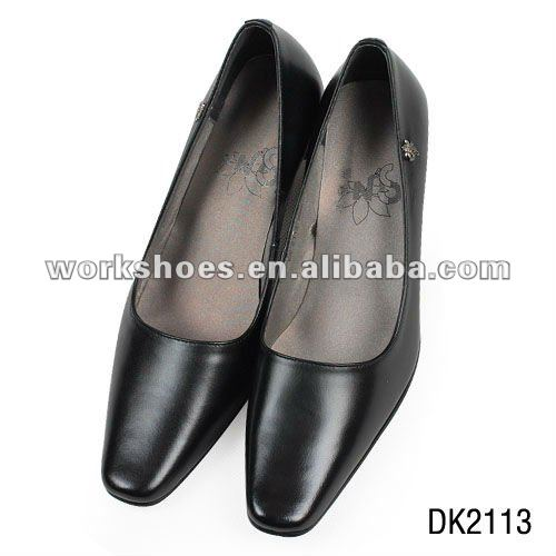 Fashionable small Women's shoes with leather material