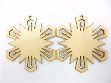 Manufacture high quality wood snowflake decoration pieces