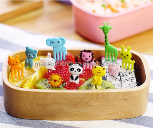 10pcs/bag New Animal Farm mini cartoon fruit fork sign resin fruit toothpick bento lunch for children decorative plastic sign