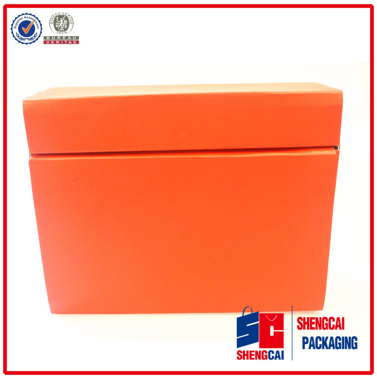 Fasion red gift box with thick cardboard