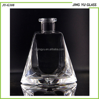 Cosmetic 700ML Clear Glass Bottle Unique Shape Glass Bottle for Liquor/Whiskey