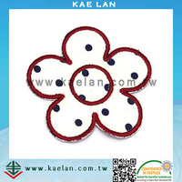 Flower design hand embroidery high quality OEM embroidered patch