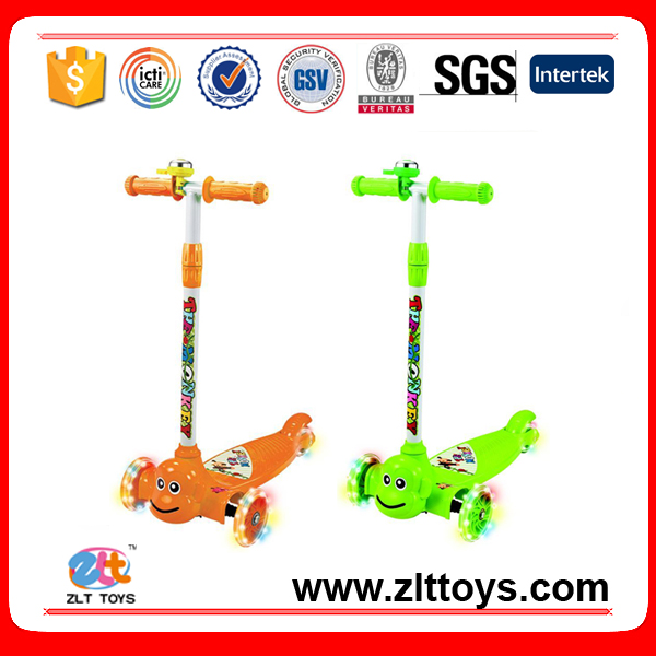 Three Wheels Scooter with Light Wheels for kids with EN71