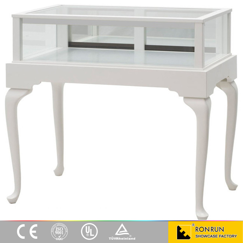 Classic Queen Anne Jewelry Vision Display Case for store layout design