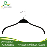 LIPU Black Plastic Clothes Hangers With Chrome Hooks