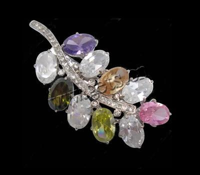 Gets.com cubic zirconia hobe leaf brooch