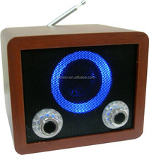 Portable wooden speaker with AM/FM radio