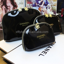 High Quality PU Shiny Hand Bag With Golden Logo for Women for Fashion Cosmetic or Travel Made by Manufacture