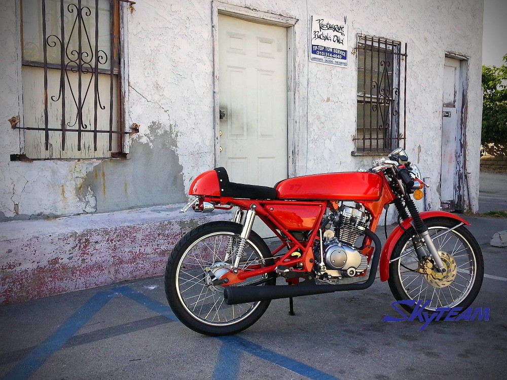 SKYTEAM 125cc 4 stroke ACE vintage cafe racer Dream Motorbike (EEC EUROIII EURO3 APPROVAL)