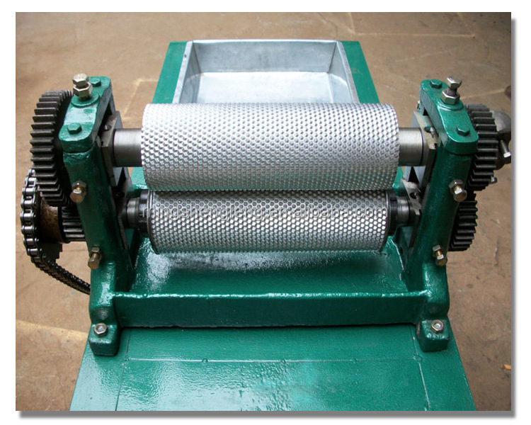 Fully Automatic Beeswax foundation Machine with the roller of 170mm*750mm