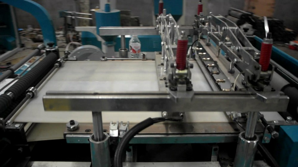 Hot Sale Fully Automatic slider insert Self Seal PE Zipper Bag Machinery
