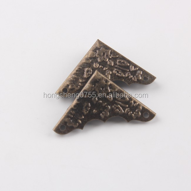 Customized Iron Triangle L Shape Corner Protective