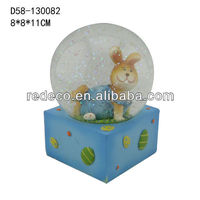 Polyresin easter water globe souvenirs