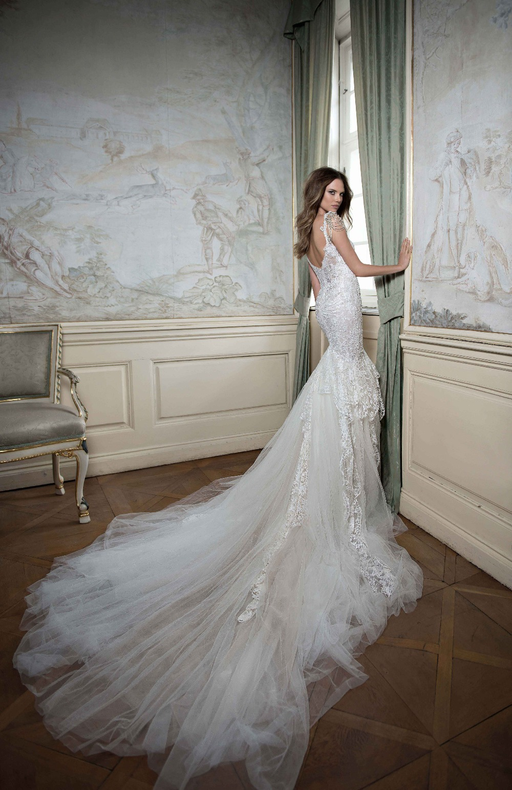 FBB-08 New Design Full Length Bridal Gown Sweetheart Hand-beaded Embroidere Dramatic Ruffle Low Back Lace Wedding Dress