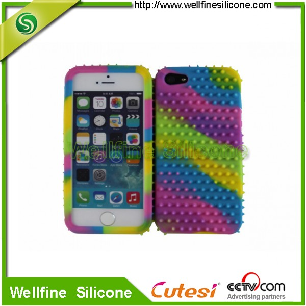 Glow in the dark silicone cell phone case