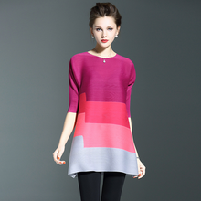 Custom fashion lady three colors matching loose pleated dress