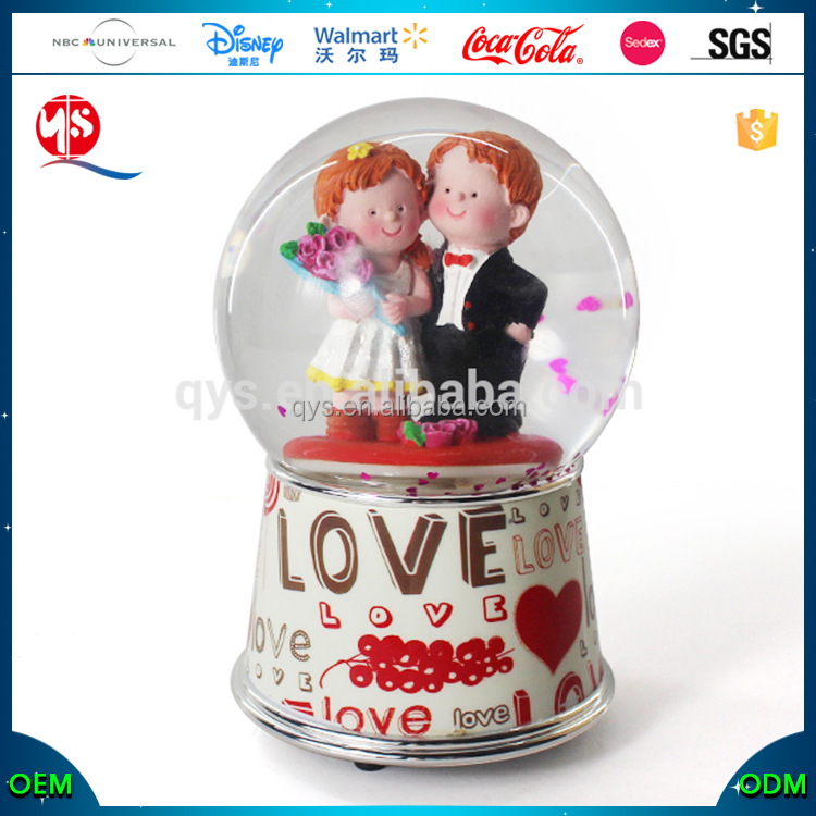 Wedding Souvenirs Favors Bride And Groom Water Globe