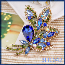china supplier factory price small quantity order big flower shaped women brooches and pins for dresses