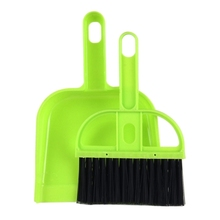 Mini Desktop Car Keyboard Sweep Cleaning Brush Small Broom Dustpan Set(Color random)(Green)