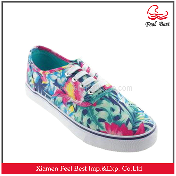 Fashion canvas slip on shoes