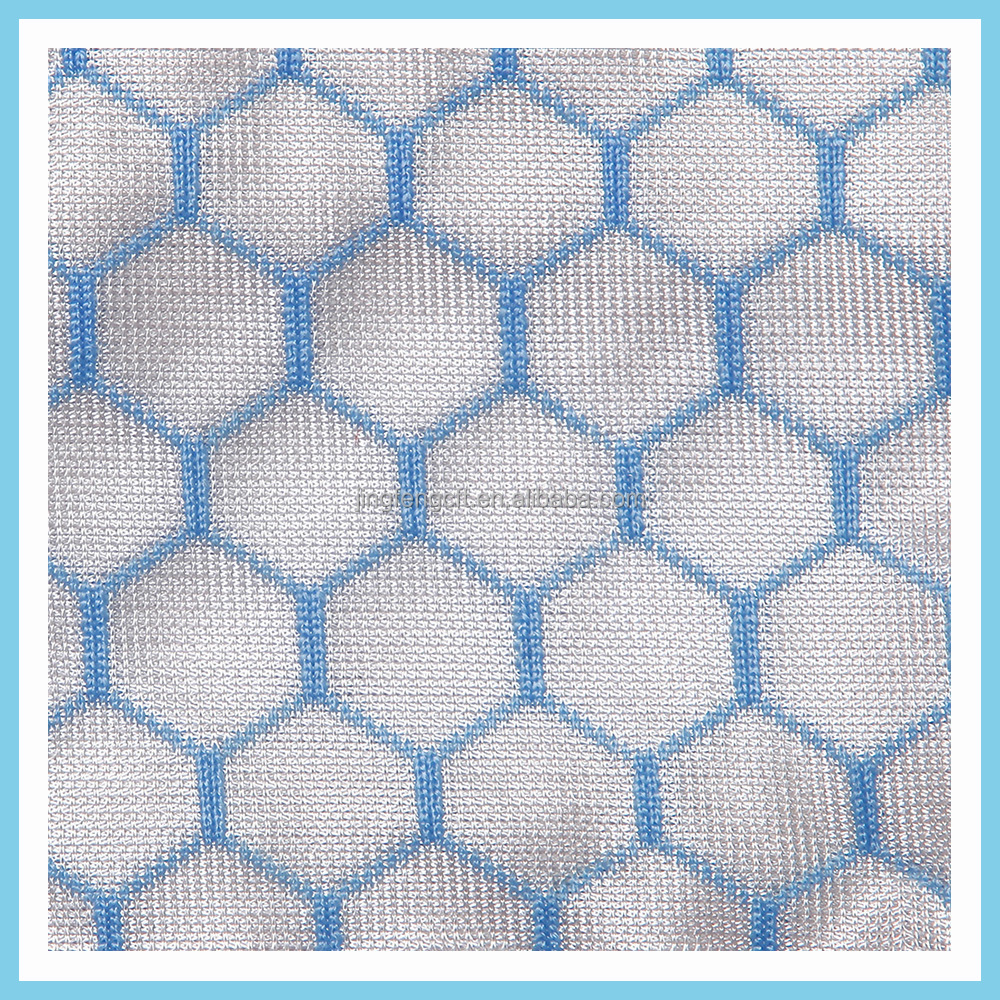 Hexagonal mesh fabric