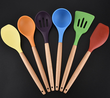 LFGB FDA BPA free 6 pcs wooden handle funny colorful silicone kitchen utensil set