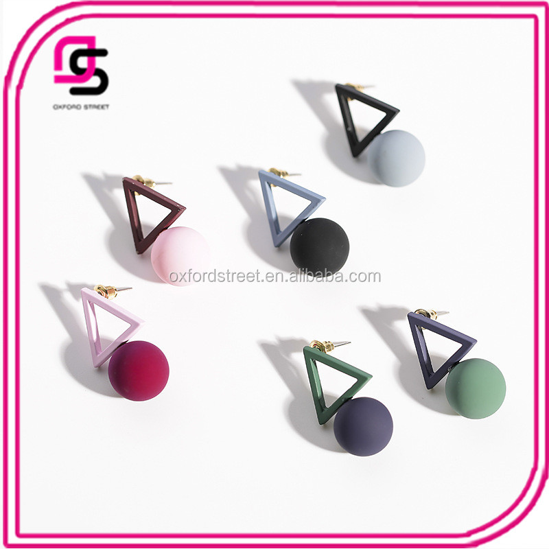 Europe and the United States Simple Geometric Triangle Asymmetric Earrings