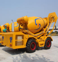 Italy Technology Mini Automatic Self Loading Mobile Concrete Mixer Hydraulic Diesel Truck 4x4